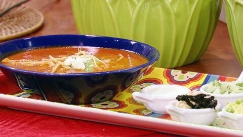 Hoy saboreamos el platillo típico mexicano por excelencia: Sopa de Tortilla