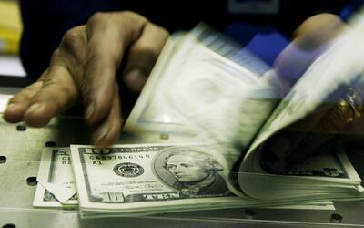 ¿Cuánto dinero contribuye la comunidad inmigrante a la economía de Estad...