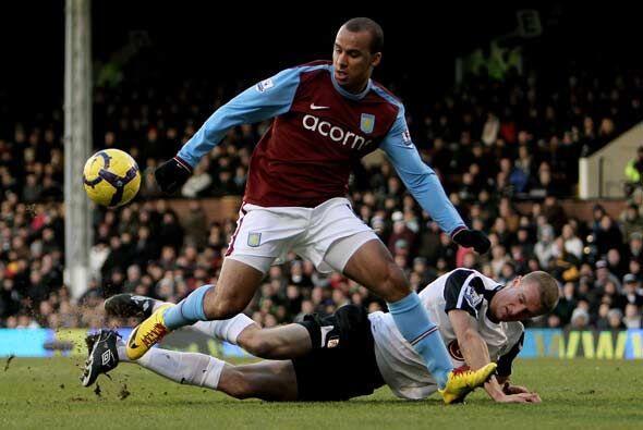 Gabriel Agbonlahor anotó dos veces y el Aston Villa ganó 2...