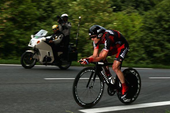 l veterano de 34 años, dos veces segundo en el Tour, superó una desventa...