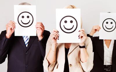 Relájate y sonríe: Aprende cómo volver a ser feliz en tu lugar de trabajo