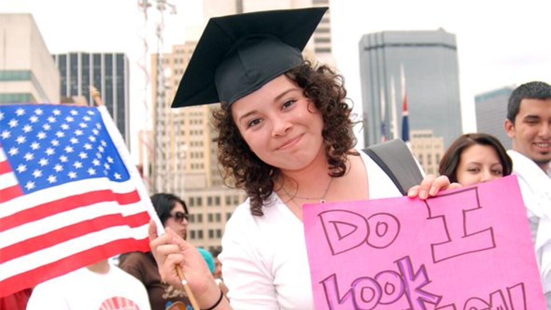 Miles de jóvenes indocumentados en Estados Unidos buscan una oportunidad...