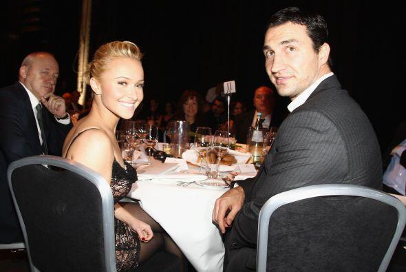 """En un comunicado, Klitschko dijo """"Vivir una relación entre dos continent..."""