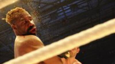 El boxeador, de 38 años, tuvo que ser hospitalizado tras el combate.