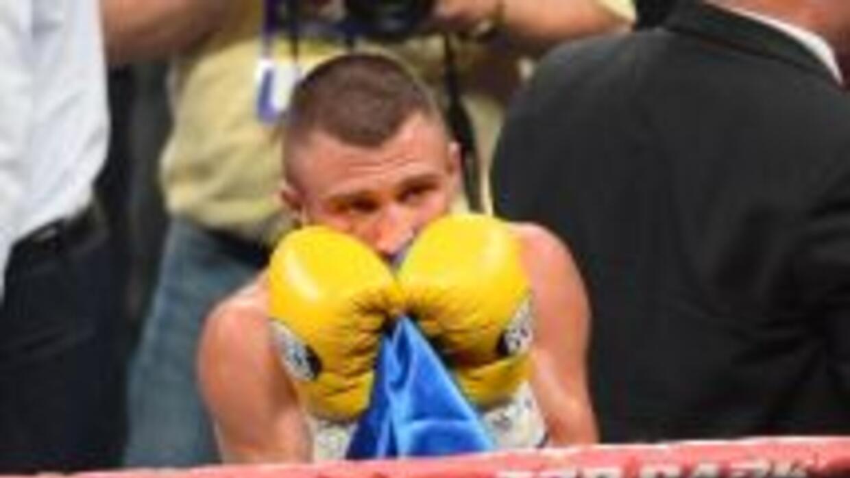 Lomachenko derrotó a Russell por decisión mayoritaria.
