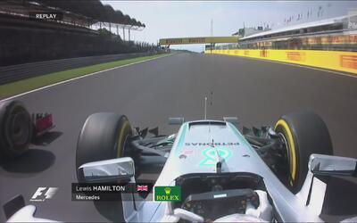 Lewis Hamilton le 'sacó el dedo' a Esteban Gutiérrez por no dejarlo pasar