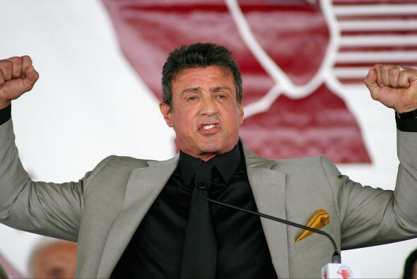 No podía faltar la pose triunfal de 'Rocky', leyenda del cine y d...