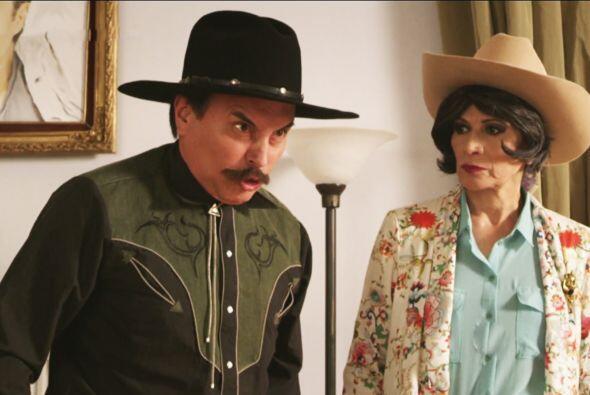 Todo empezó cuando Apolinar estaba enojado con Perla Alhelí.