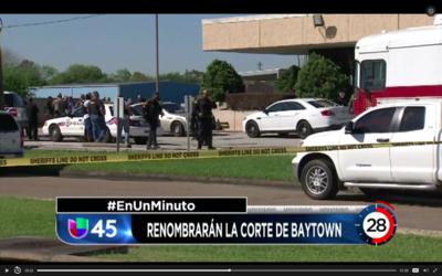En Un Minuto Houston: El edificio de la corte de Baytown será renombrado...