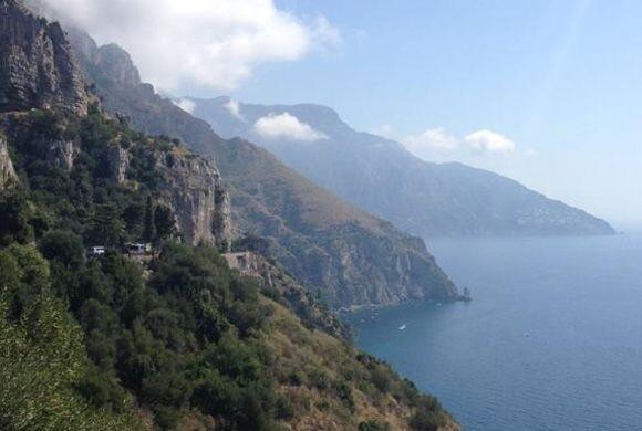 Recorriendo la costa Amalfitana. ¡Un paisaje que nos deja sin alie...
