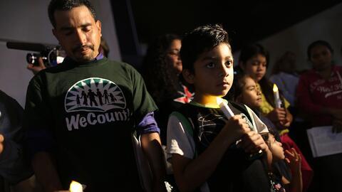 Inmigrantes mexicanos en una vigilia en Homestead, Florida, en enero de...