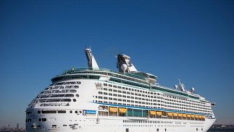 Un total de 172 personas que viajaban en un crucero que llegó el domingo...