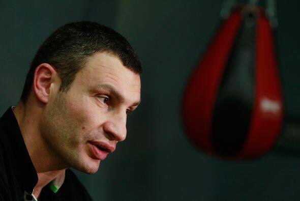 "Vitali Klitschko comparte con niños en ""Kick im Boxring"" en el salon de..."