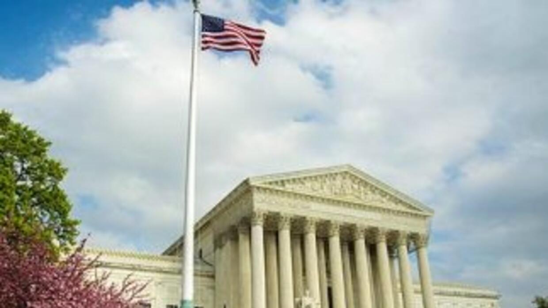 La ley migratoria SB 1070 fue promulgada el 23 de abril de 2010 y rápida...