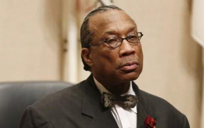 Declaran inocente por los cargos de soborno al comisionado John Wiley Price