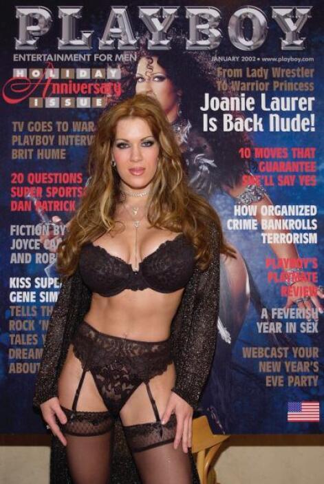 Y Joanie Laurer, como realmente se llama, aprovechó su nueva fama tambié...