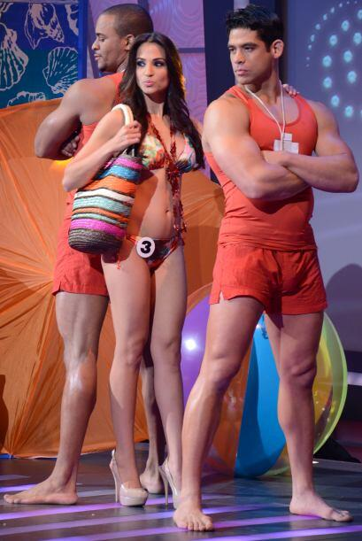 Jenny Arzola también se presentó con los atractivos salvavidas.