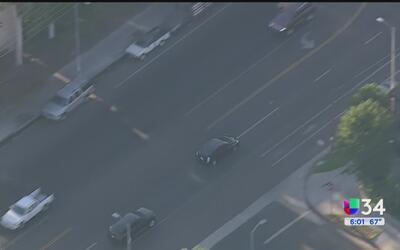 Captan dramática persecución vehicular en Panorama City