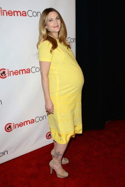 La cigüeña visitó otra vez a Drew Barrymore.Mira aquí los videos más chi...