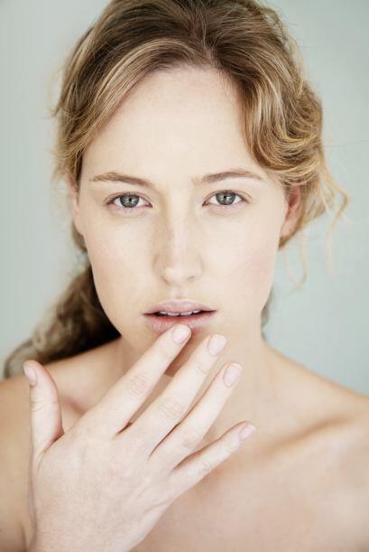Los labios partidos son síntoma de una deficiencia de vitamina B.