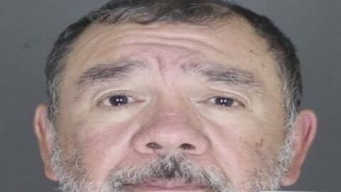 Sacerdote acusado de abusar sexualmente de una menor en Long Island se d...