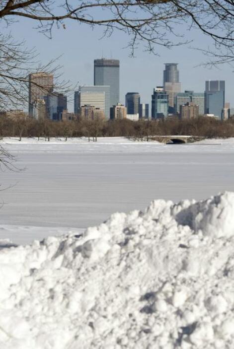 La ola de frío y nieve se extendería las próximas horas aunque se movili...