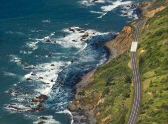 Carretera 'De la costa Pacífica':  Más conocida como PCH, (por sus sigla...