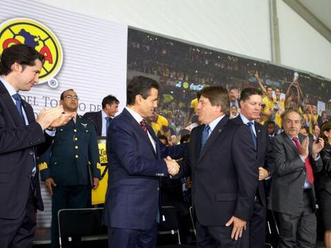El equipo América, campeón del torneo Clausura 2013 del f&...