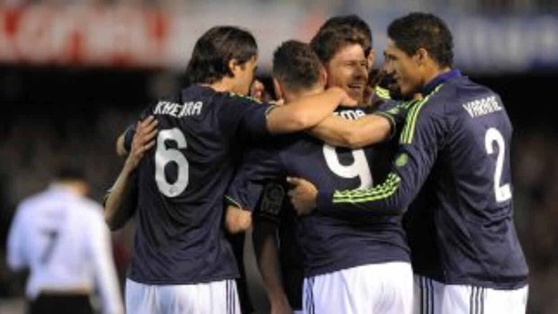 Gracias al gol de Benzema, los madridistas remataron al Valencia y jugar...