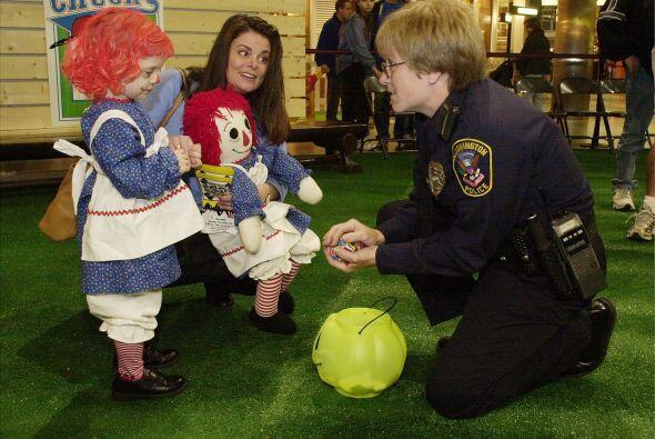 Si lo crees necesario y la policía local la ofrece, pide al depar...