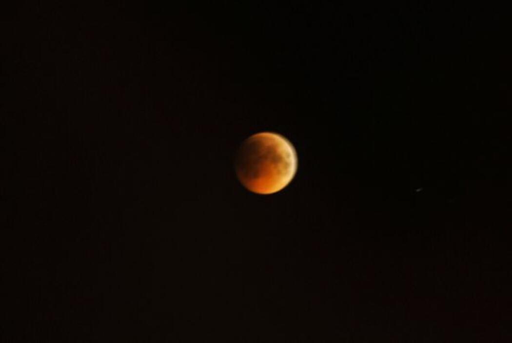 La gente que vive en México, podrá comenzar a ver el eclipse a su median...