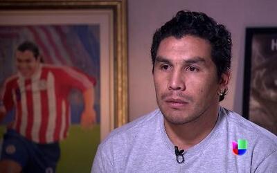 Salvador Cabañas: Su vida después de un atentado que casi lo deja en una...