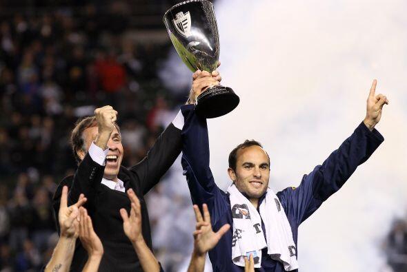 Con el equipo angelino saldría campeón en la Copa y la Lig...