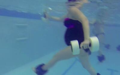 Conoce el Aquamom, ejercicios bajo el agua para mujeres embarazadas