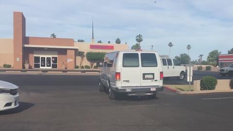 Voluntarios de Arizona van en camino a Texas para apoyar la lucha contra...