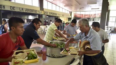 Sectores vulnerables del México reciben programas sociales del Estado