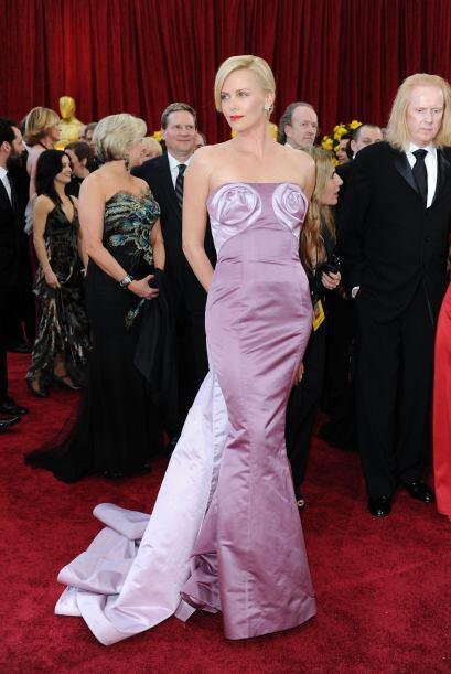 El detalle en las 'bubis' de Charlize Theron es aún más feo que todo el...