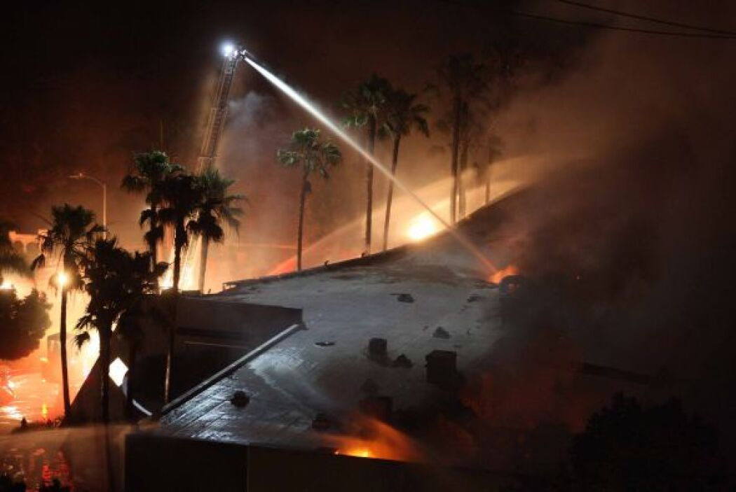 Se desconoce el origen de los fuegos, pero se producen en un momento en...