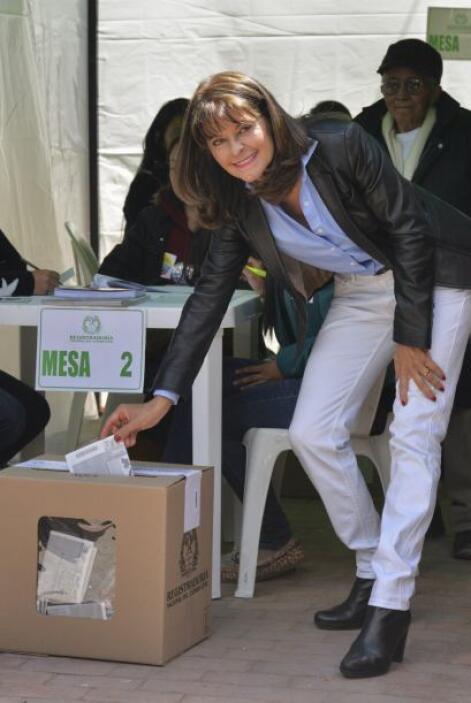 Es seguida de Marta Lucía Ramírez, del Partido Conservador.
