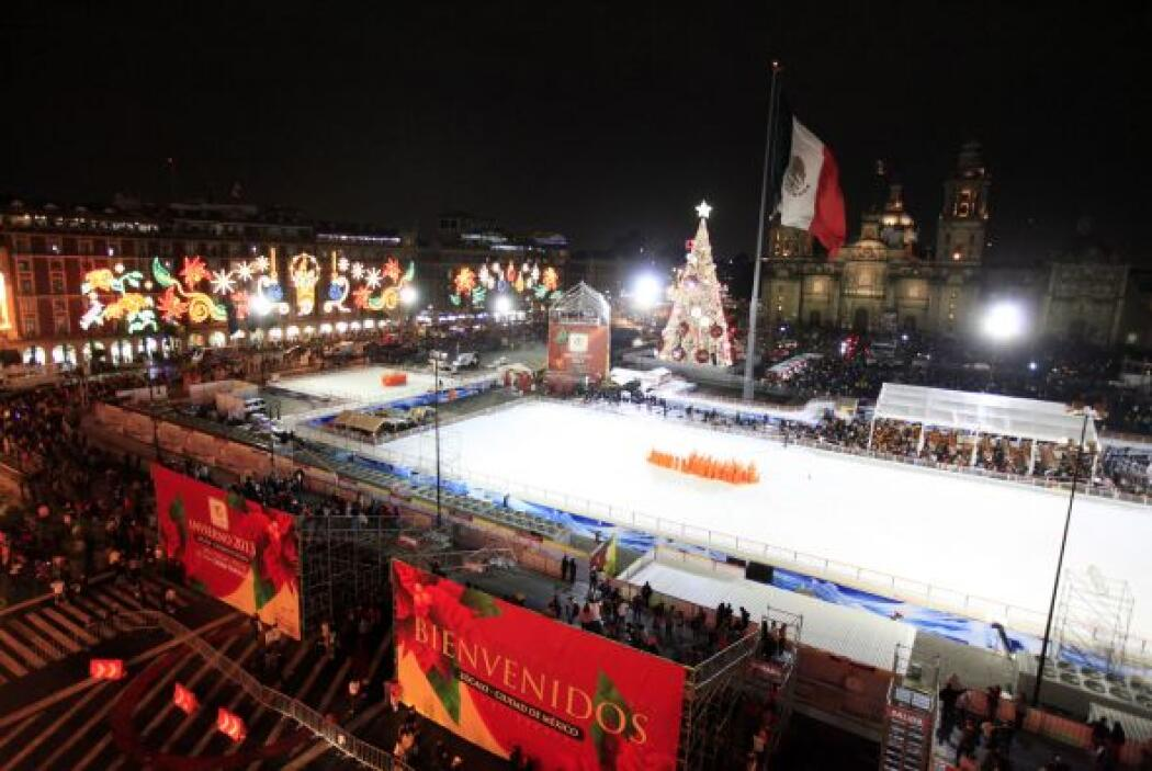 La tradicional pista de hielo fue inaugurada el 15 de diciembre.