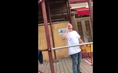 """Graban en video una nueva agresión antiinmigrante: """"Vuelve a tu país, jo..."""