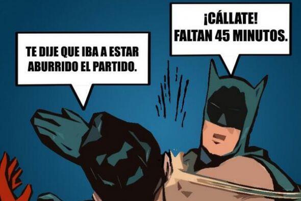 ¡No le pegues, Batman! Mira aquí los videos más chis...