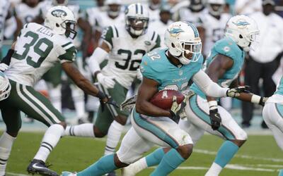 Miami derrotó a Jets con este espectacular touchdown de 96 yardas en kic...
