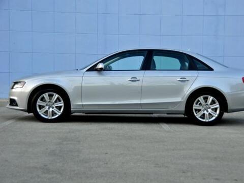 El Audi A4 2.0 TFSI® 2011 está equipado con motor turbocargad...