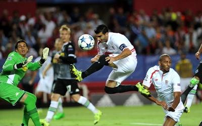 El Gladbach y el Sevilla se juegan su futuro en Europa