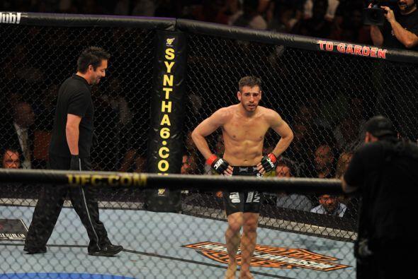 En agosto del 2010 en la UFC 118 Florian perdió ante Gray Maynard por de...