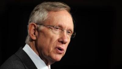 El senador demócrata Harry Reid ganó la elección en Nevada y se mantiene...