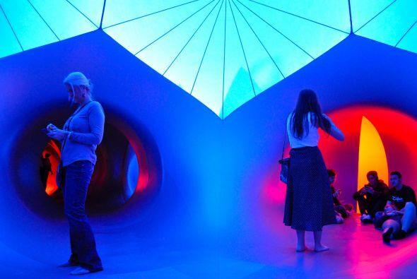 Exxopolis Luminarium es un espectáculo novedoso y lúdico. Tanto niños co...