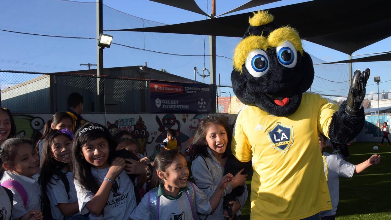 Cozmo, el ídolo de los niños de LA Galaxy.