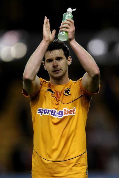 Con dos goles ante el Swansea City, Jarvis aportó para que los Wo...
